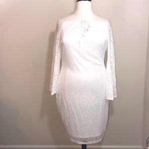 Dresses & Skirts - NWT White Lace off the Sleeve Fitted Dress Sz 3